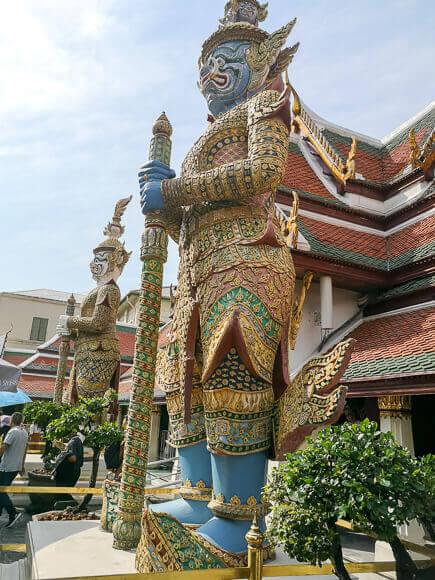 Wächter-Statuen im Königspalast Bangkok