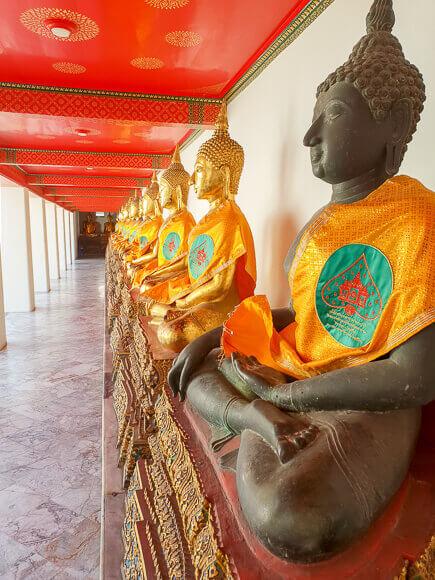 Sitzende Buddha-Statuen Wat Pho