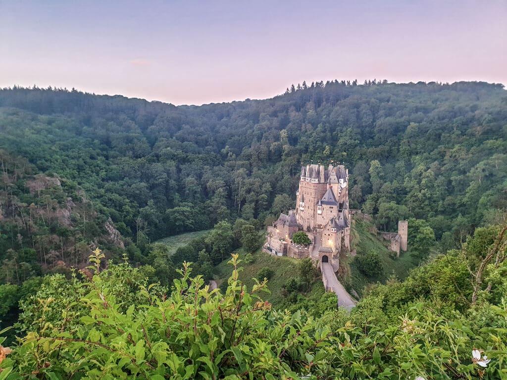Burg Eltz bei Sonnenaufgang