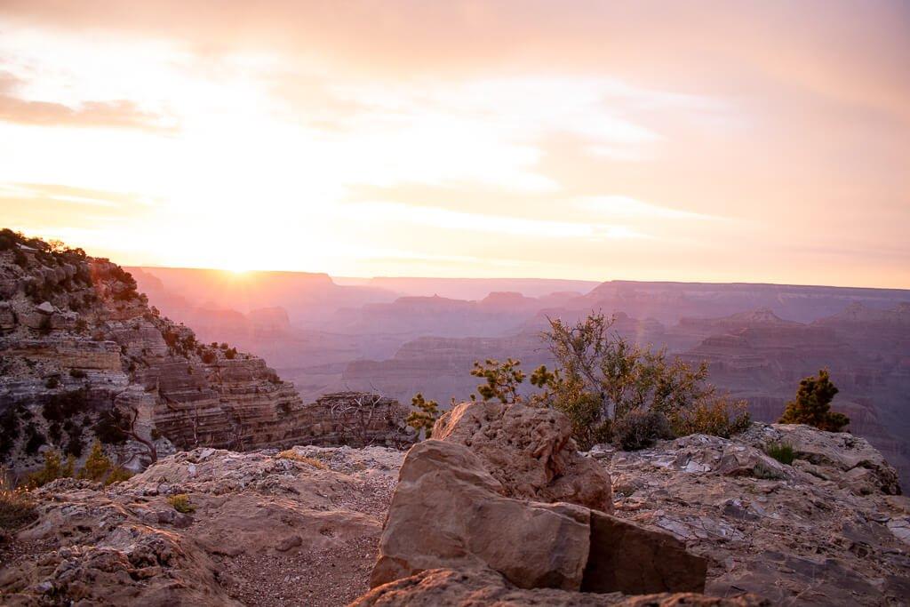 Sonnenuntergang über dem Grand Canyon