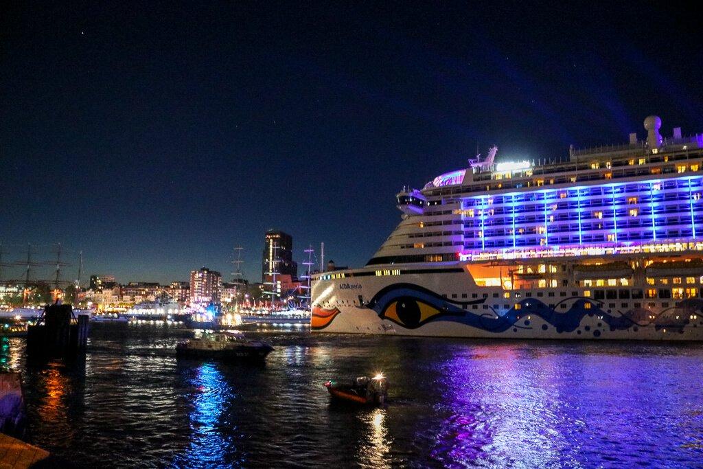 Hamburg - Hafen - Aida