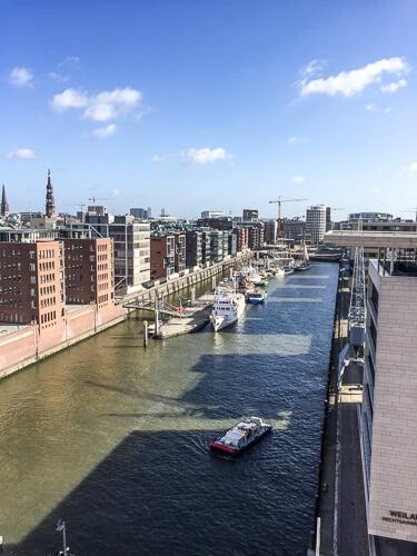 Hamburg - Hafencity von der Elbphilharmonie aus gesehen