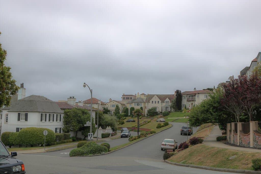 San Francisco - Vorstadtsiedlung - gepflegte Häuser und Straße