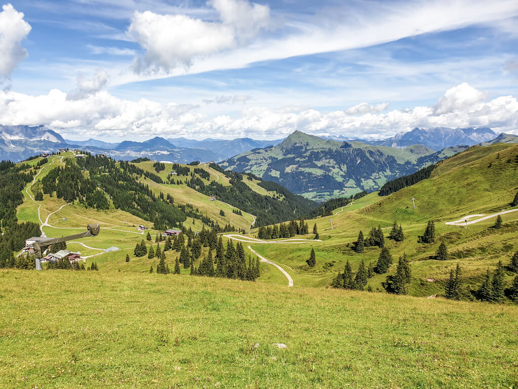Ausblicke auf Kitzbühel am KAT-Walk