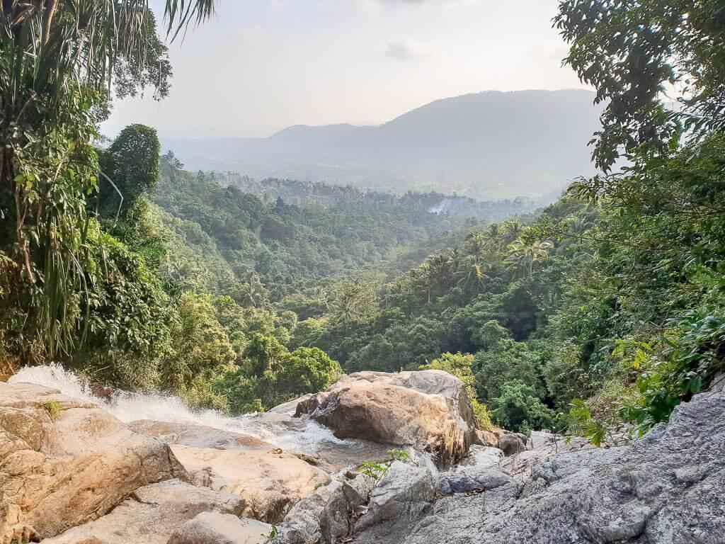 Ko Samui, Na Muang Wasserfall 2 - Ausblick vom Gipfel des Wasserfalls auf die Wälder