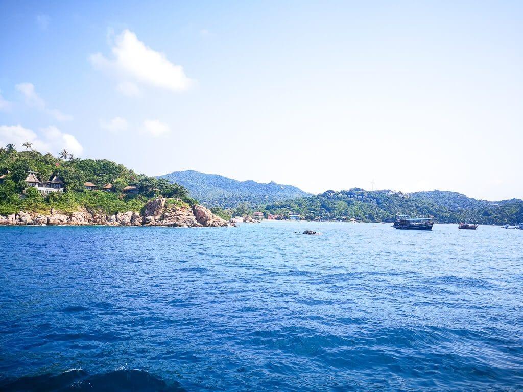 Insel vom Wasser aus fotografiert