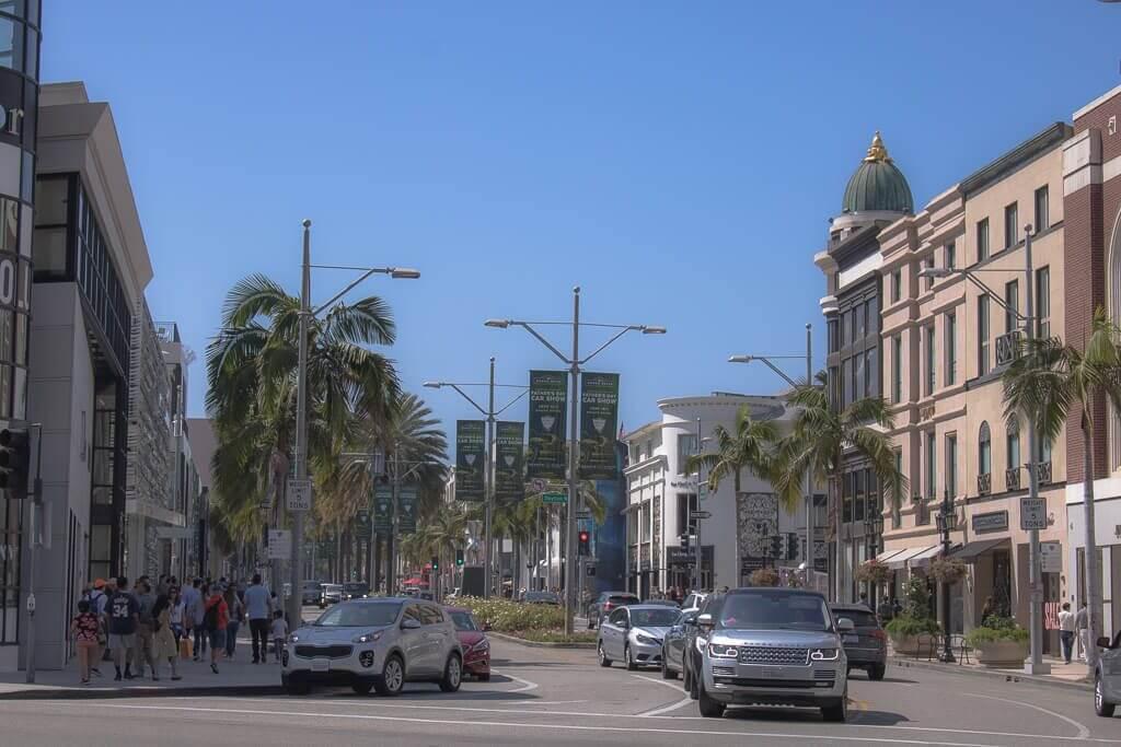 Los Angeles - Beverly Hills - Rodeo Drive - Autos, Straße, Geschäfte