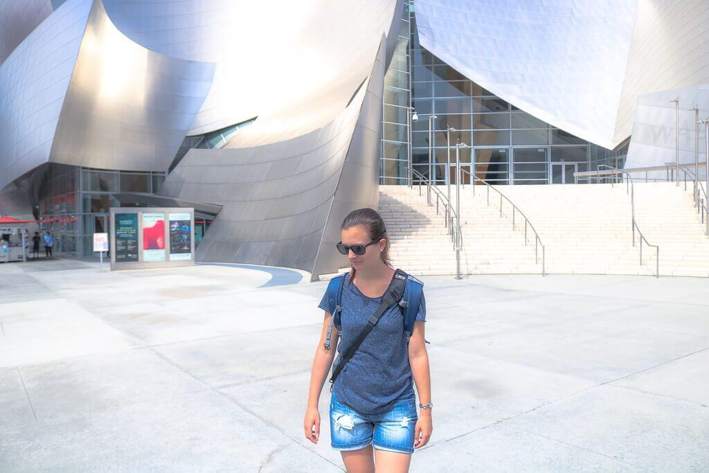 Los Angeles - Walt Disney Concert Hall - Frau