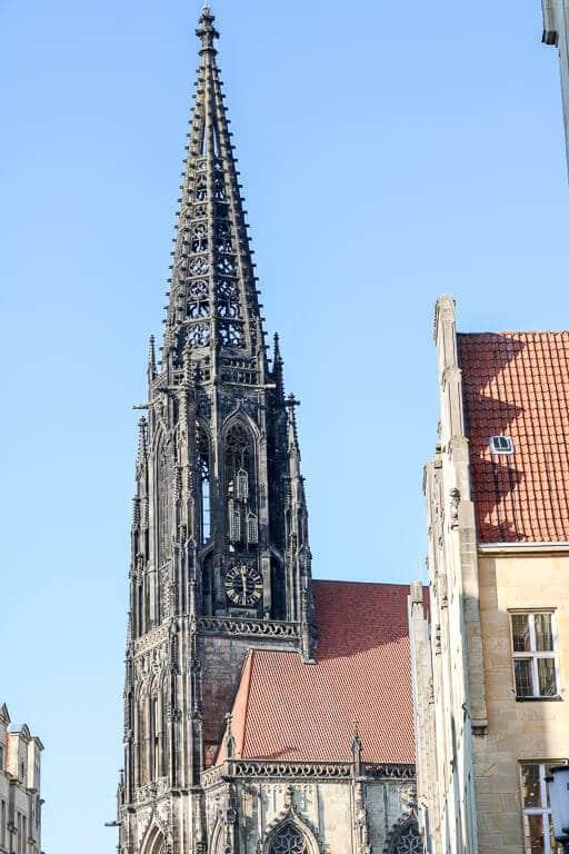 Münster - Lambertikirche mit drei Eisenkörben