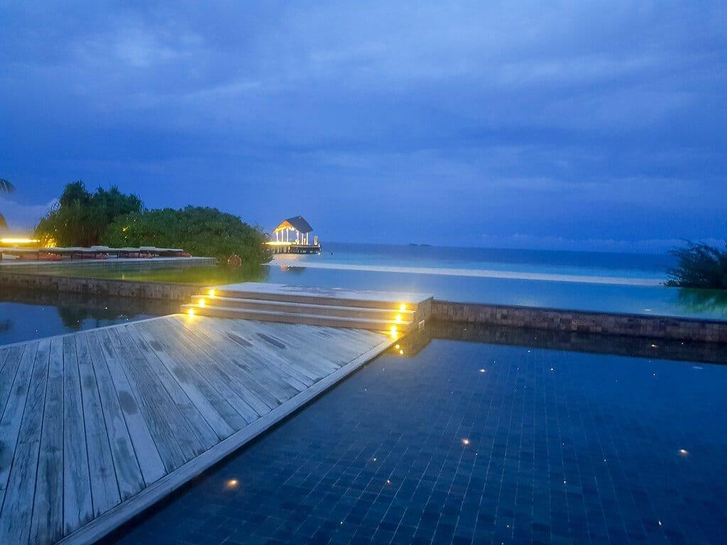 Malediven - Amari Havodda Maldives - Honeymoon - Pool