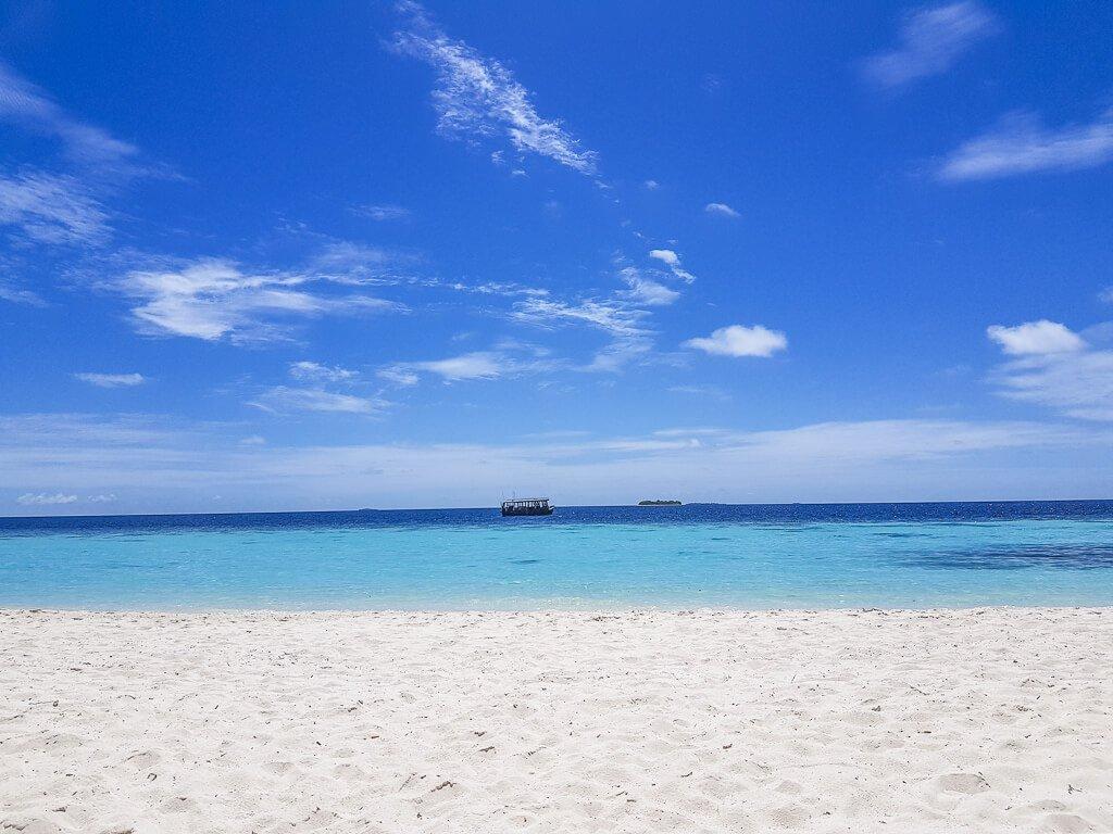 Malediven - Honeymoon - Amari Havodda - Strand - Meer