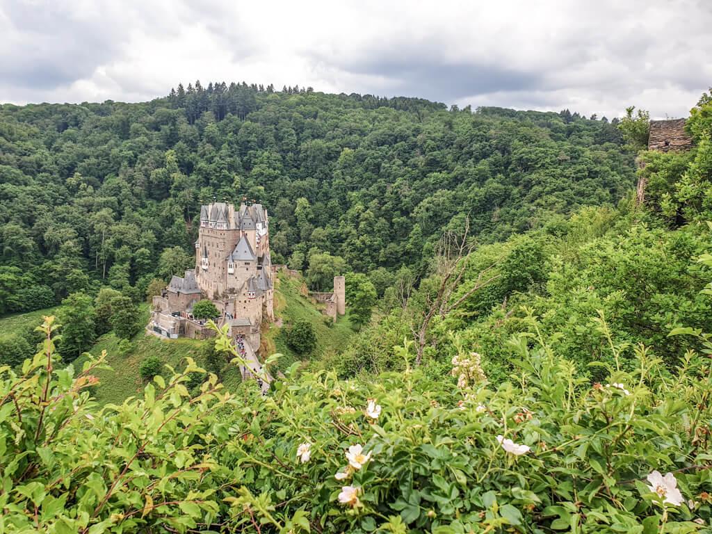 Burg Eltz von oben