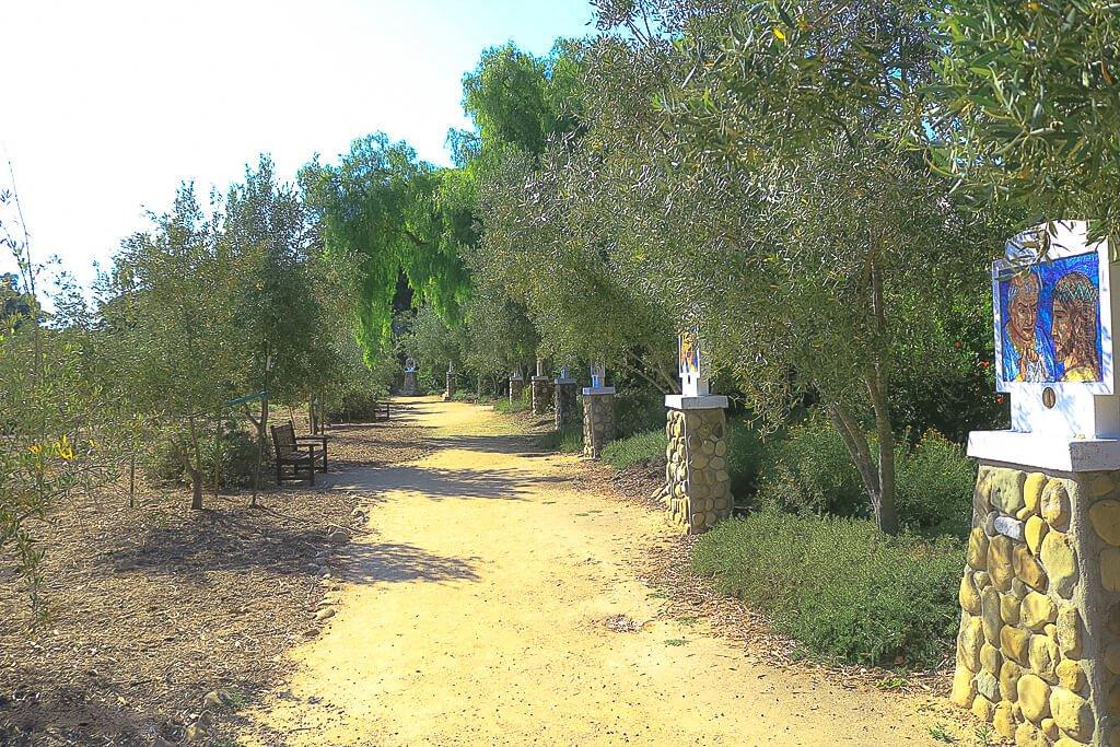 Santa Barbara - Old Mission - Kreuzweg im Olivenhain