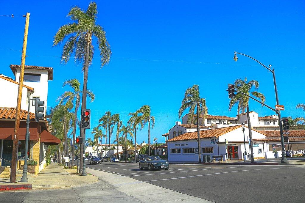 Santa Barbara - State Street - Palmengesäumte Straße