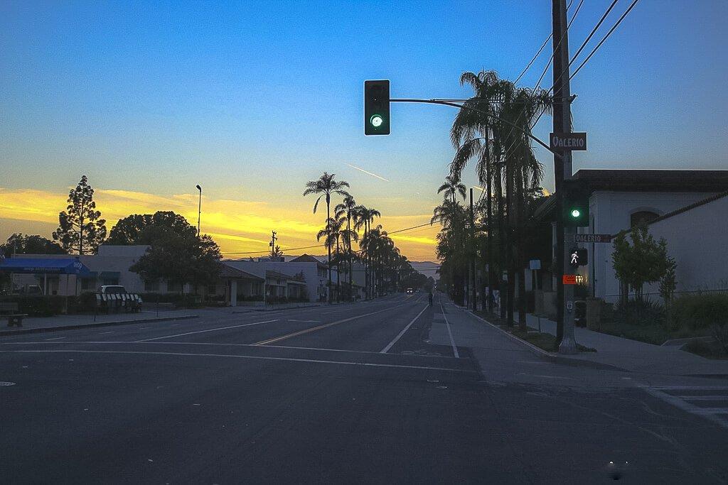 Santa Barbara - Sonnenuntergang über der State Street