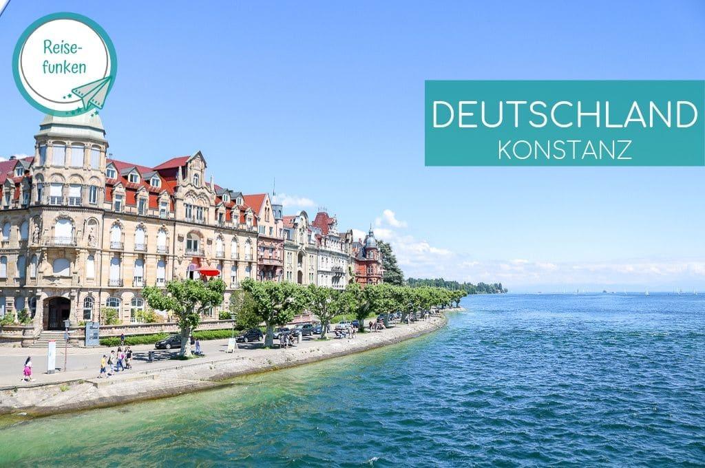 Konstanz - Bodensee mit Uferweg - dahinter eine bunte Häuserreihe