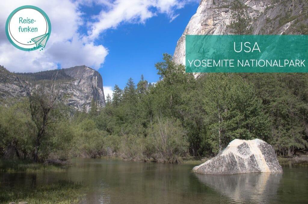 Mirror Lake - Yosemite Nationalpark - See umgeben von Bergen und Wald, in der Mitte ein Fels, der sich spiegelt
