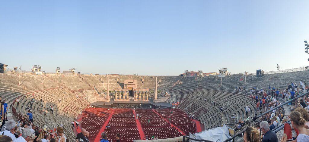 Innenraum der Arena di Verona