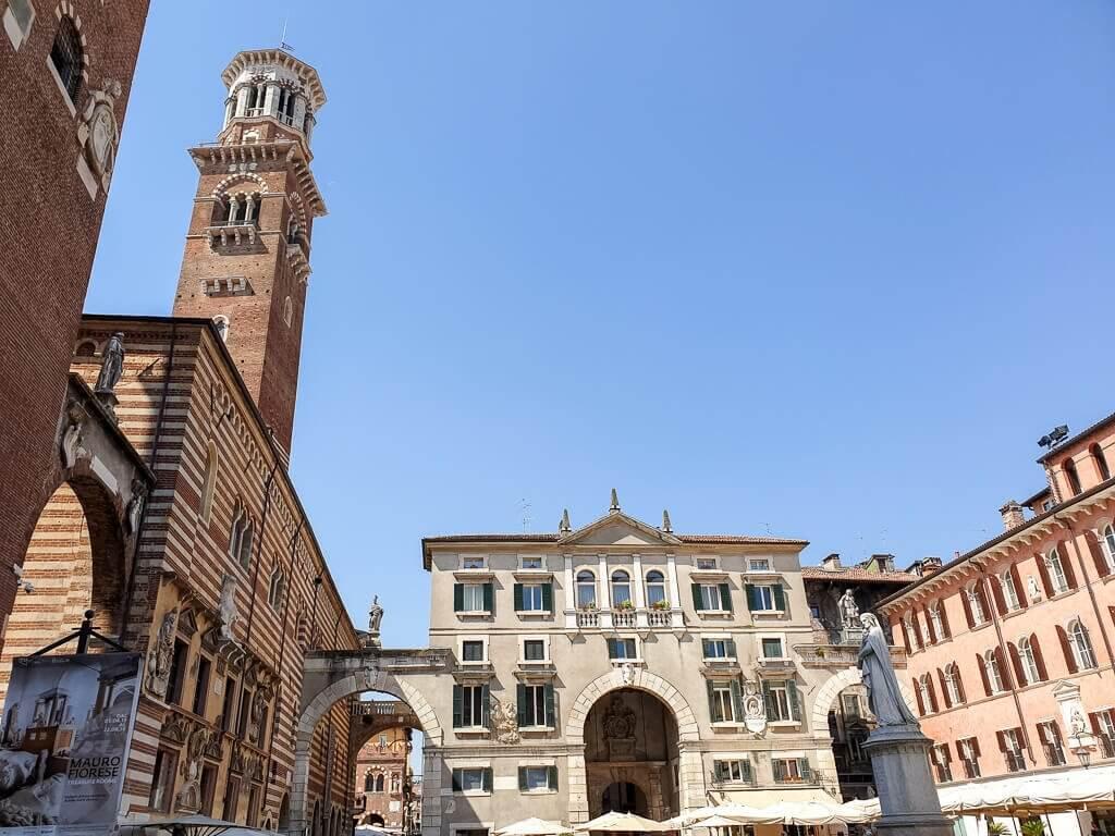 Piazza dei Signori mit Torre dei Lamberti