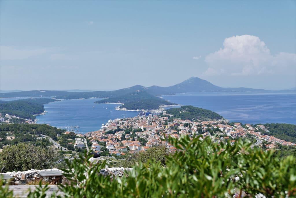 Blick über die Insel Losinj in Kroatien